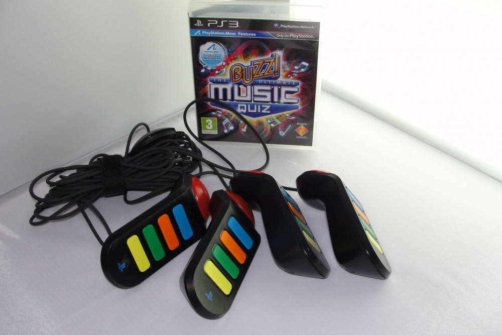 Buzz The Ultimate Music Quiz + Wired Buzzer Controllers PS3